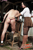 Tranny fucks a guy on the stool