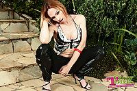 Alessandra Leite masturbates outdoors