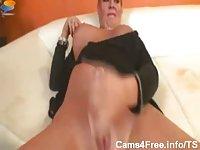 Mature tranny masturbating
