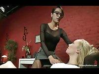 Tranny doctor seduces a girl