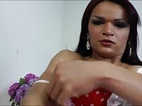 Tempting tranny Lorraine Balde jacks off