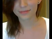 Teen tgirl shows her body on cam
