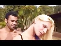 Fresh air rest with a blonde tranny chick