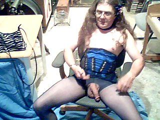 Corseted crossdresser amateur solo
