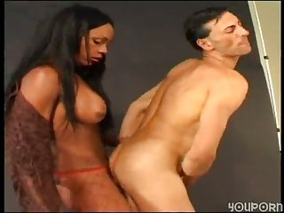 Chocolate Tranny Gets Hot Fuck With A White Guy