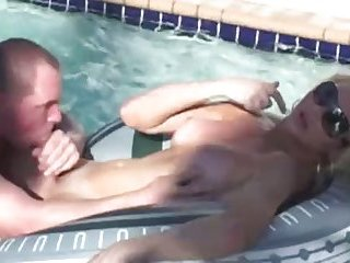 Great cock suck in a pool
