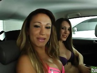 Patricia Dalvesco and Sheila get sucked