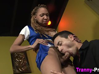 Black tranny getting blown and eating dick